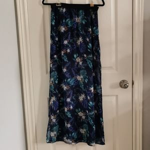 **2/$25 special** NWOT Maxi Skirt